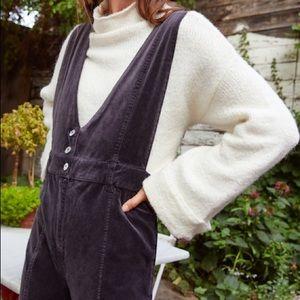 Anthropologie pilcro velvet overalls size 4